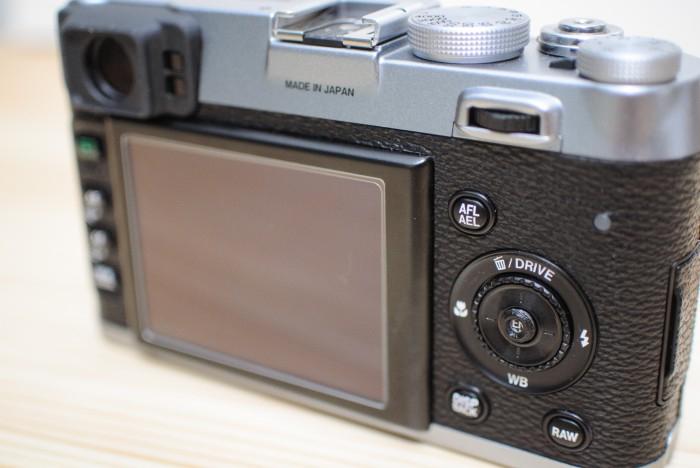『FUJIFILM X100/X100S』の押しにくいボタンの誤操作を解消する 『レンズメイト メニューボタンソリューション』 レビュー。X20/X10にも使える!