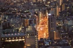 ミニチュア・ジオラマ風な写真に加工する!「Snapseed」の「レンズぼかし」フィルターでティルトシフトレンズ風に遊んで見る。 | かめらとブログ